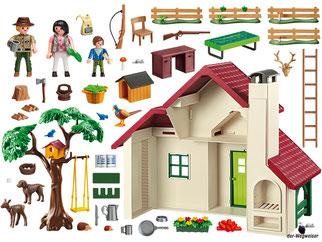 Im Paket Playmobil 6811 ist enthalten ein grosses Forsthaus mit Förster, Frau, Junge, viele Tiere und Zubehörteile.