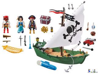 Im Paket Playmobil 9522 ist ein schwimmfähiges Piratenschiff mit vier Piraten, ein schwimmfähiges Piratenschiff, ein Soldatenturm, einem Unterwassermotor, einer Kanone, zwei Schussmunition, einer Schatztruhe mit sehr viel Gold und Silber enthalten.