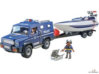 Im Paket Playmobil 5187 sind 90 Einzelteile, 1 Polizei-Jeep, 1 Speedboot, 1 Unterwassermotor, 1 Polizei Anhänger, 2 Polizisten und weiteres Zubehör enthalten.