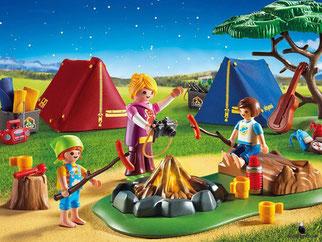 Die Besonderheiten im Playmobil Paket 6668 sind, dass die Zelte aufgebaut werden wie echte Zelte mit Gestänge und Stoff-Bezug.