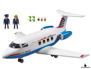 Im Paket Playmobil 5395 ist enthalten ein Passagierflugzeug mit Kapitän, Stewardess.