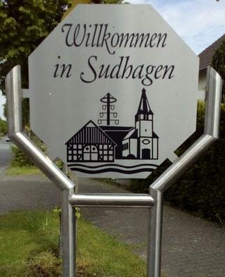 Willkommen in Sudhagen - neues Ortseingangsschild