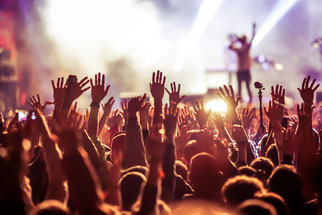 Menschenmenge beim Konzert
