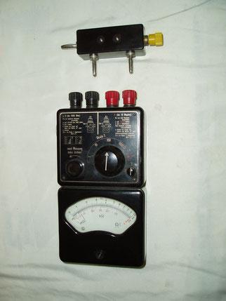 Metrawatt  Widerstands Messgerät mit zusatzkasten für Messbereichserweiterung.
