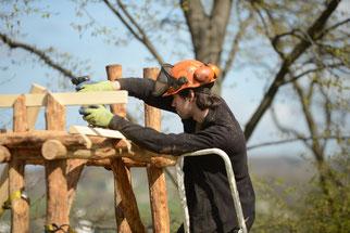Der Zuschnitt des Holzes war nicht leicht. (Foto: Stefan Körber)