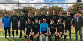 FSG Team ll und Jochen Ganß (rechts) · Foto→ FSG
