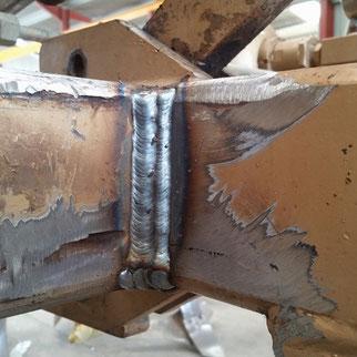 Réparation matériel agricole avec soudures par ACMB constructeur métallique en Poitou Charentes