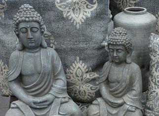 zwei meditierende Buddhas