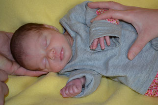 Larissa - geboren am 17.01.2014 - 2370g / 45cm