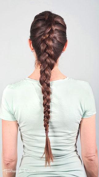 Holländischer Zopf mit glatten Haaren