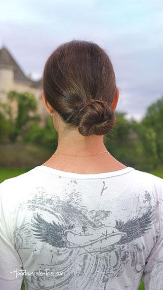 Haargummi dutt im nacken