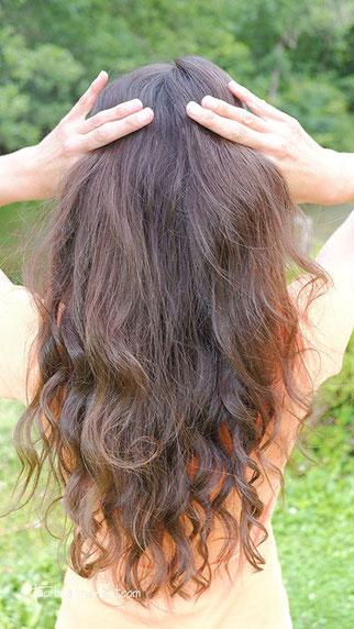 lange haare, locken mit lockenstab