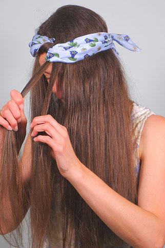 locken mit einem haarband