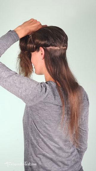 Haare in Strähnen teilen