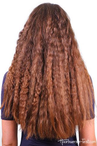 kleine Wellen, natürlich gekreppte Haare