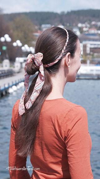 einfache zopffrisur mit haarband, haarband zopf