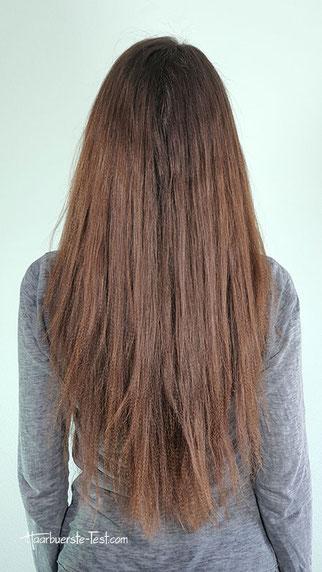 Lange gekreppte Haare