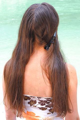 lange Haare in zwei hälften teilen