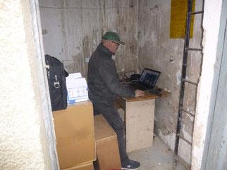 Richard Kalkbrenner beim Programmieren der Webcam