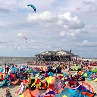 Kite Weltcup am Ordinger Sandstrand - großer Wassersport