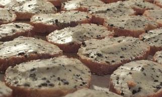 Toasts au beurre demi-sel truffé