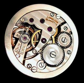 Altus-Werk mit 10 ½''' Linien Durchmesser