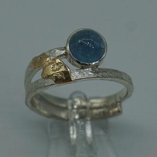 Ring aus Sterlingsilber mit Bergkristall und Goldfäden