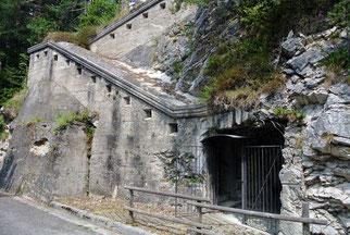 Alte Befestigungsanlagen laden zu Stopps ein