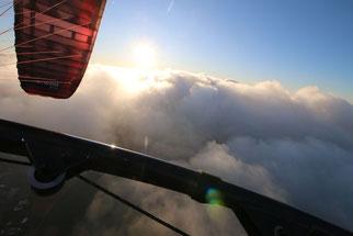 X-One Flug durch die Wolken von Fresh Breeze