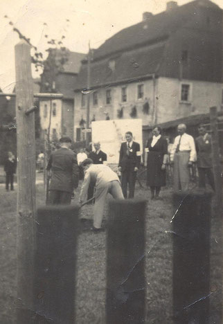 Bild: Wünschendorf Hofplatz 1952