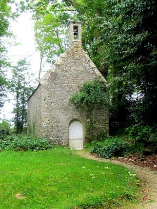 Chapelle ND de Laurette (Garlan) - Le nom de cette chapelle évoque celui de la basilique construite à Loreto. Selon une tradition, c'est dans ce petit village italien que la maison de Nazareth où Jésus a grandi, aurait été miraculeusement transportée.
