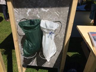 Billigt affaldssortering system Flower: affaldssortering til et skab her i 4 affaldsstativer