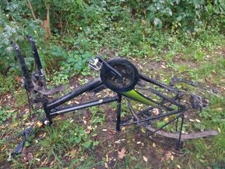 Auch ein Fahrradrahmen wurde geborgen. Fotos: Beatrice Jeschke