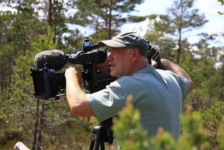 Naturfilmer Frank Koschewski bei der Arbeit. Foto: telekine