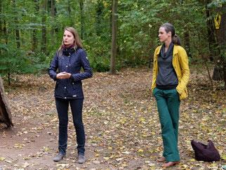 Theresa Warnk (links) und Dr. Maria Vlaic informierten über geschützte Tierarten im Leipziger Auwald.