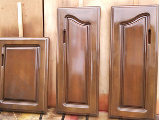食器棚扉塗装(塗替え)