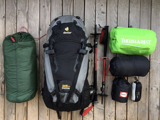 Rucksack, deutet Guide 35 plus, Zelt, Hilleberg Naldo 2, Isomatte, Thermarest, Trekkingstöcke, Trekkingstecken, Seideninlett, Hüttenschlafsack, Daunenschlafsack, Kocher, Topf