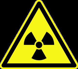 """Warnschild """"Warnung vor radioaktiven Stoffen"""" als Symbolbild für den Vortrag Grundlagen der Atomphysik"""
