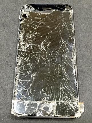 iPhone6 ガラス割れ修理前
