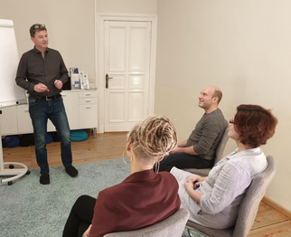 Supervision Jugendhilfe in Beratungspraxis family first Berlin Pankow - Kinderschutz - Fallsupervision - Teamsupervision - Teamtag