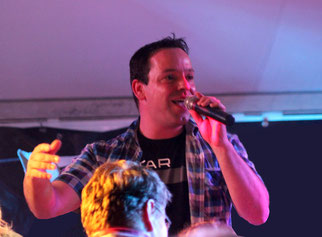 Ben Canto (Vocals, Gitarre & Frontmann)
