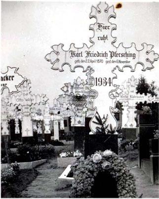 Grabkreuze in Flehingen