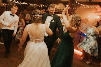 DJ Alex Ruthless Hochzeitspaar tanzt