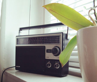 Altes Radio Welttag des Radios Musik macht froh Alltagsabenteuer Alltagsabenteurer
