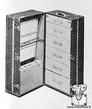 malle armoire wardrobe cabine Louis Vuitton tiroirs