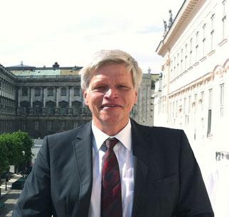 Dr. Martin Prunbauer