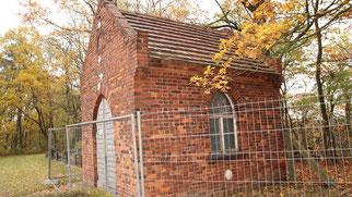 Die Friedhofskapelle Cantdorf sollte für Fledermäuse hergerichtet werden, doch der bauliche Zustand ist schlimmer als gedacht. Möglicherweise kann die Kapelle nicht mehr gerettet werden.