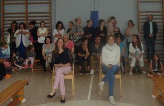 Frau Eibach-Beck (KL 4a, links) und Fra Knosalla (KL 4b, rechts) genießen das Programm