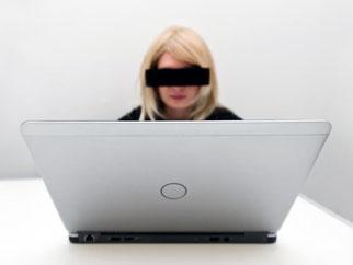 Vollständige Anonymität gibt es nicht. Spätestens seit den Enthüllungen Edward Snowdens wissen die meisten, dass man im Netz nicht unerkannt bleibt. Foto: Matthias Hübner