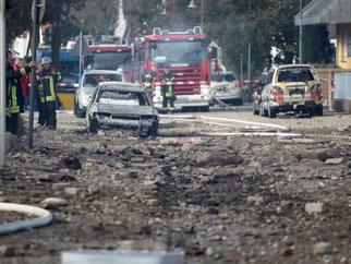Trümmerwüste in Ludwigshafen: Die Explosion zerstörte in weitem Umkreis Gebäude und Autos. Foto: Fredrik von Erichsen
